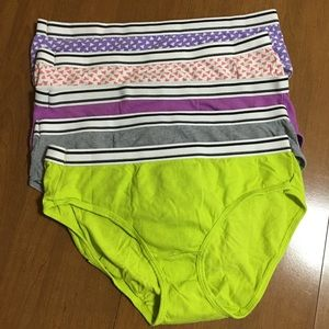 Hanes set of 5 hipster panties in women's size 6/M